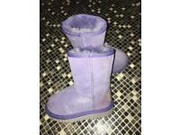 Baby girls purple sparkly ugg boots 100% genuine Boxed Great Condition.