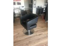 6 HAIRDRESSING CHAIRS FOR SALE £300