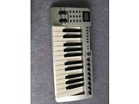 Evolution MK-425C MIDI keyboard and controller