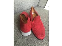 HARDLY WON FAMOUS BRANDS LADIES SHOES FROM- VWESTWOOD MELISSA TO DUNE, RALPH LAUREN ETC - SIZE 7-8