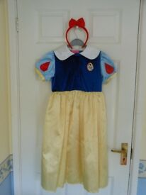 Real Disney Snow White Princess Dress age 5-7 / Dressing Up Play
