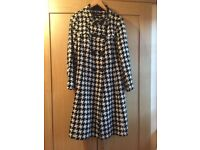 Women's Coat Marks and Spencer M&S Autograph Black & White Size 14 (Fantastic Condition)