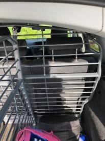 Audi Q5 dog guard and parcel divider