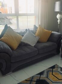 Sofa for sale 3+2+1 with set of 3 poufees
