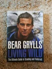 Bear Grylls Living Wild (Paperback)