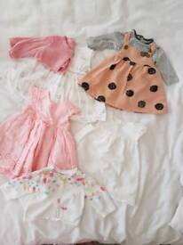 Baby girls clothes (Up to 1 month)