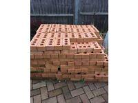Unused face bricks approx 400