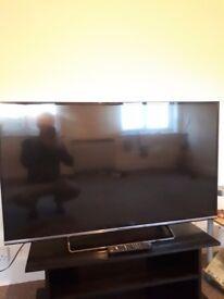 "Panasonic 49"" Smart TV/Slim (Perfect condition, Bargin price)"