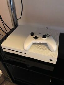 Xbox one s 1tb and Elite controller