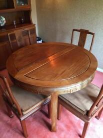 Extending Table and 8 chairs