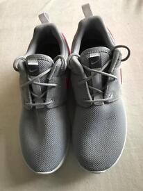 Girls Nike roshe size 2
