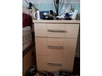 Bedroom wardrobe suite