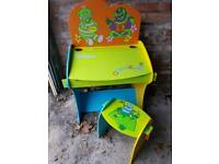 Kids childrens wood desk with chair