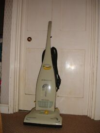 Electrolux 1600W FILTaire Upright Vacuum cleaner