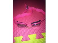 Girls adjustable swimming goggles