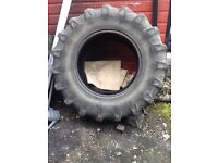2 tractor tyres