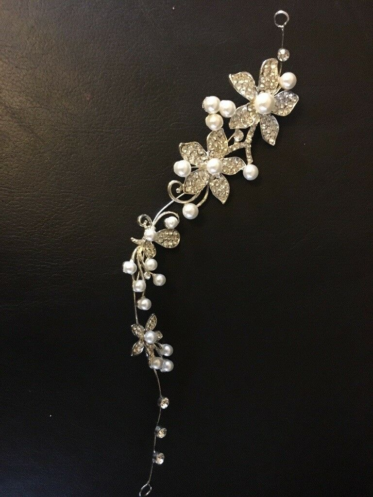 brand new pearl and diamantè bridal hair accessory | in coulby