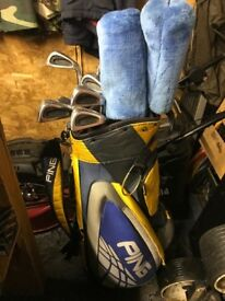 Golf clubs , Golf bags