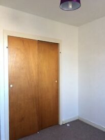 Attractive Central Forfar large 2 bedroom flat neutrally decorated close to shops/schools/bus route