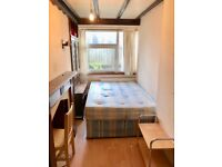 Renting a Single room with double bed 5 minutes way from Bethnal Grees Station .