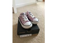 Toddlers size 5 converse