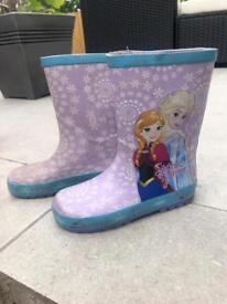Kids Frozen wellies size 11