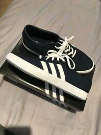 Adidas Sellwood Trainers Navy Blue Size 9 - Brand New