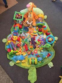 26 baby toys + play mat + tummy time cushion