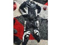 BKS 2 piece leathers