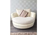 Lovely, lounge suite including 4 seater sofa, 2 seater cuddle sofa and an armchair in Ivory.