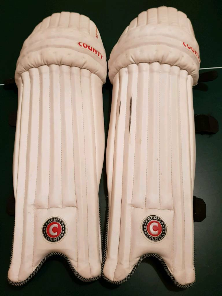 Hunts County Pads and Gloves