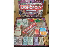 "Monopoly ""CORONATION STREET"".Produced by Parker 2009. Complete."