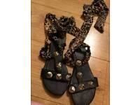 Woman's Tie Leopard Sandals