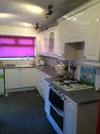 Spacious 2 Bed House in Treharris - Excellent Location.