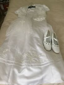 Holly communion dress for sale complete with jacket, veil tiara and shoes