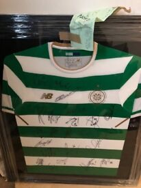 Signed top
