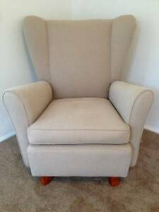 Beautiful vintage wing back chair Naremburn Willoughby Area Preview