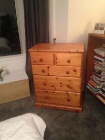 Chest of drawers - Pine - good condition