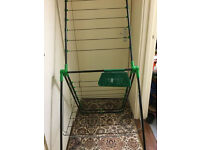 Brand new green clothes rack /airer in very good condition