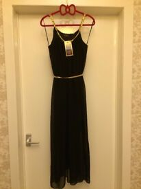 *BARGAIN* IN STYLE black dress with gold M/L banded waist