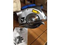 CIRCULAR SAW with laser cutting guide
