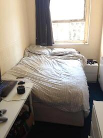 Double room available in City Center St. Nicholas street