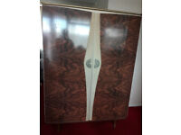 CLEARANCE!!!!!!!!!! Antique wardrobe £90 ONLY