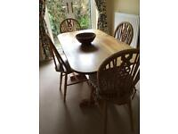 Beautiful kitchen table and four chairs