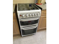 Lovely wee freestabding Cannon gas cooker in immaculate as new condition with full instructionn