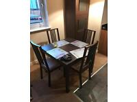 4 person expandable dinning set with chairs