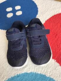 Nike Revolution Infant Size UK 7.5