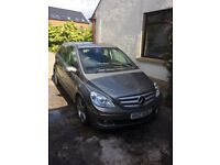 Mercedes B200 se, full MOT, alloy wheels and panoramic roof, Excellent Condition