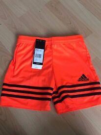 Boys football shorts - YXS £5