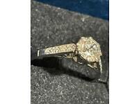 Vintage 1940's Beautiful 18ct Platinum single diamond claw set ring 18ct & Platinum